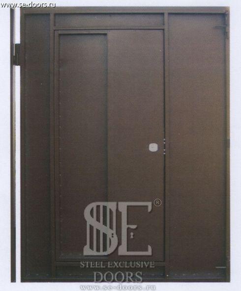 Гаражные ворота, вид изнутри, створка с дверью