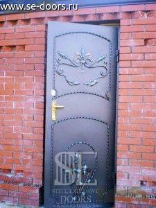 Металлическая дверь покрас кованые элементы