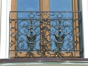 Кованое ограждение окна