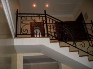 Ограждение лестницы и балкона