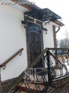 Кованые перила входа
