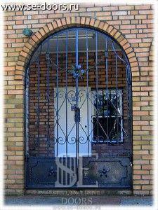 Кованая двухстворчатая дверь